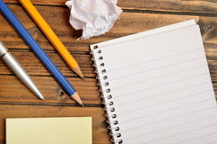 Empty notepad with pencil Royalty Free Stock Images