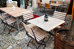 Empty outdoor restaurant tables Royalty Free Stock Photography