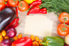 Empty paper  with vegetables Royalty Free Stock Photos