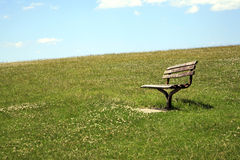 Empty park bench Royalty Free Stock Photos