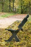 Empty park bench Royalty Free Stock Photography