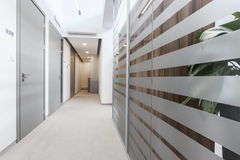 Empty passageway in business office Royalty Free Stock Photography