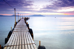 Free Empty Pier Royalty Free Stock Images - 22857779