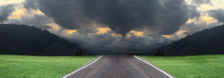 Empty road, storm clouds Stock Photography