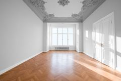 Empty room in beautiful apartment - real estate interior Royalty Free Stock Photos