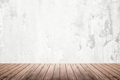 Empty room of grunge wall and wooden floor Stock Photography