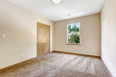 Empty room in soft ivory with closet Stock Photography