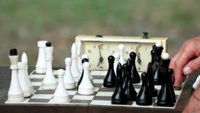 Empujar el reloj de tiempo del ajedrez almacen de video