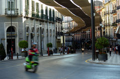 Empy bijna straat in de stadscentrum 8 van Granada stock foto