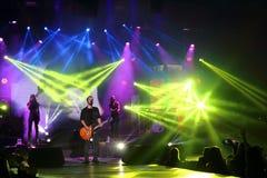 Emre Aydin摇滚乐音乐会表现视图 库存照片