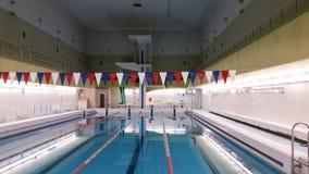 Emty zwembad met stegen Oost-Europa stock foto