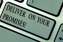 En écrivant l'apparence de note livrez sur vos promesses La présentation de photo d'affaires font ce que vous avez promis à libér image stock