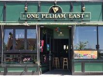 En östlig Pelham, Themsen gata, Newport, RI Royaltyfri Fotografi