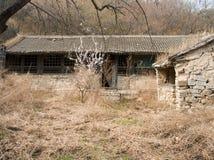 En övergiven by Arkivfoton