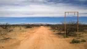 En övergiven egenskap i den arizona öknen Royaltyfri Fotografi