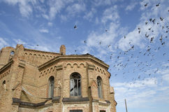 En övergiven kyrka. Arkivbilder