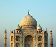 En övre sikt för slut av Taj Mahal i Agra, Indien Fotografering för Bildbyråer