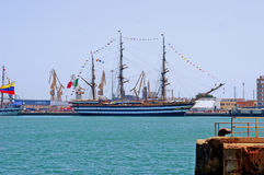 EN κεφάλαιο ¡ puerto de Cà veleros diz España Στοκ φωτογραφία με δικαίωμα ελεύθερης χρήσης