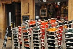 En Провансаль AIX, Франция - 21-ое апреля 2016: стулья Стоковые Изображения