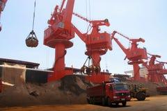 En 2012, declinación de China en la demanda para el mineral de hierro Fotografía de archivo libre de regalías