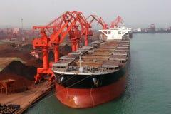 En 2012, declinación de China en la demanda para el mineral de hierro Foto de archivo
