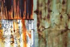 En abstrakt bakgrundsbild av rostig korrugerad zink täcker Arkivbilder