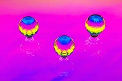 En abstrakt installation med tre crystal sfärer Royaltyfria Bilder