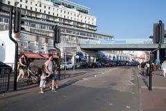 En agosto de 2017, Southend en el mar, festivo ocupado de A en la estación de verano Fotos de archivo