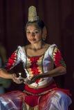 En aktör på den Esala Perahera teatershowen i Kandy, Sri Lanka Arkivfoton