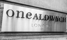 En Aldwych byggnad i London - LONDON - STORBRITANNIEN - SEPTEMBER 19, 2016 Royaltyfria Bilder