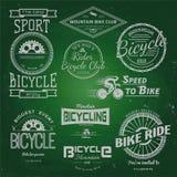 En allez à vélo les logos et les labels d'insignes pour utilisation Photographie stock libre de droits