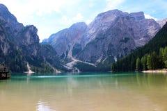 En alpin sjö, Dolomites, Italien royaltyfria bilder