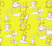 En amarillo un fondo pintó las tazas marrones y los potes Imagen de archivo libre de regalías