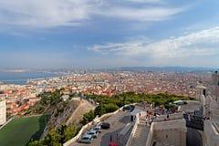 En antenn beskådar av den Marseille staden och dess hamn Frankrike Fotografering för Bildbyråer