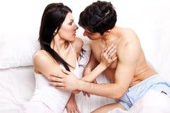 En anticipación de un beso Foto de archivo libre de regalías