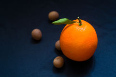 En apelsin Arkivfoto