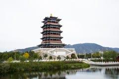 En Asia, China, Pekín, Mentougou, el edificio antiguo, tilín lou de Yong Imagen de archivo libre de regalías