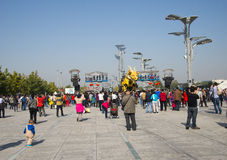 En Asia, China, Pekín, parque olímpico, funcionamientos grandes del desfile del  del horse†del dragón de la maquinaria de Fran Imagen de archivo