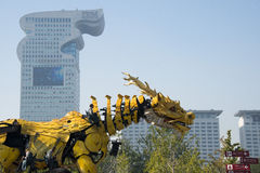 En Asie, la Chine, Pékin, parc olympique, grandes performances de défilé de  de horse†de dragon de machines de Frances, Photo libre de droits