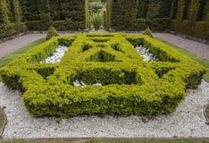En av de formella trädgårdarna på den Biddulph lantgården Royaltyfria Bilder