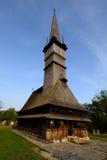 En av de högsta träkyrkorna i Europa, Rumänien royaltyfria bilder