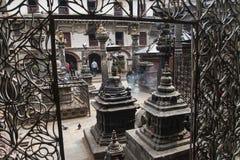 En av de hinduiska templen i Katmandu Royaltyfri Bild