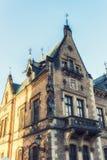 En av de många härliga byggnaderna på St Vitus Cathedral, Prag Arkivfoto