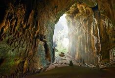 En av de mest härliga grottorna av Borneo Gomantong.Malaysia royaltyfri bild