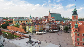 En av den gamla staden för gataWarszawa (stirrandet Miasto) är det äldsta historiska området av Warszawa (det 13th århundradet) Royaltyfri Foto