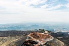 En av den sidokottarna och krater, Mount Etna Arkivfoton