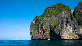 En av Koen Phi Phi Islands Royaltyfri Foto