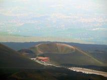 En av många krater av Etna Royaltyfria Foton