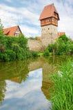 En av många portar in i walled stad. Dinkelsbuhl Royaltyfria Bilder