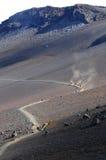 Undersökning av den HaleakalÄ krater -- Lodlinje Royaltyfri Foto